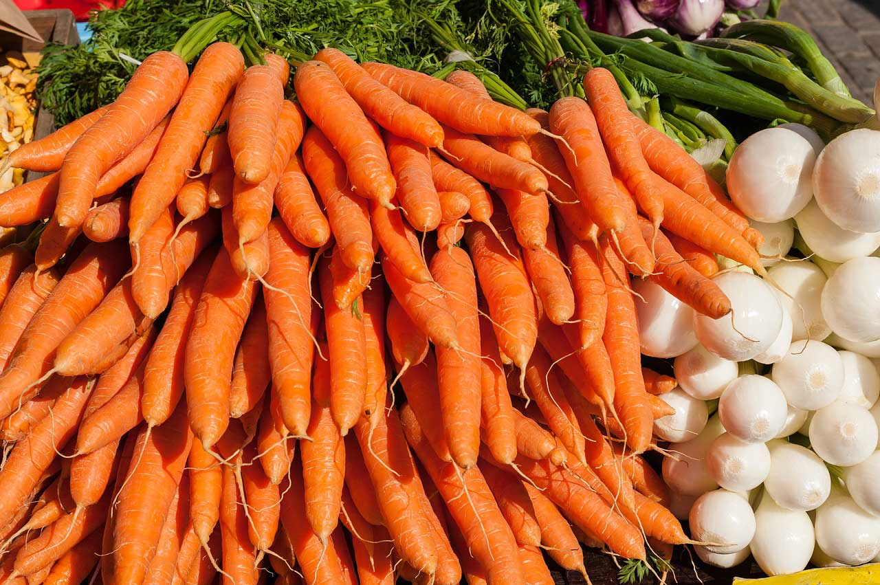 Top-7-Foods-For-Nasal-Polyps-Carrots